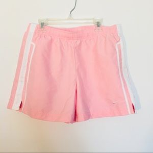 🌴Nike women's athletic shorts size small pink